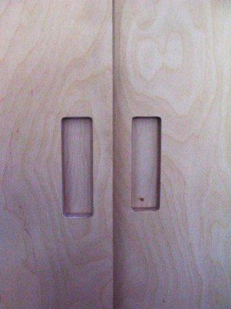 Ook in de deuren een uitgefreesde greep, maar dan gesloten